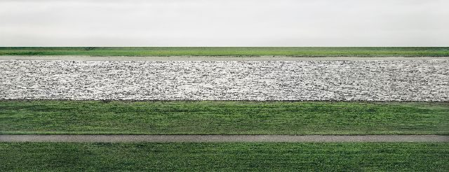 00600_Andreas_Gursky_The_Rhine_II_1999